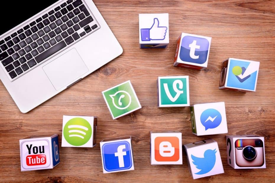 social media - chipicedeno.com